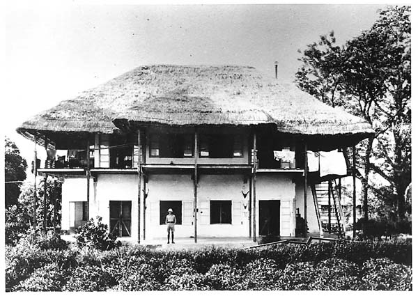 Bungalow occupied by a British family in Ranchi; 20th Century; photograph  courtesy of Major General R.C.A. Edge.